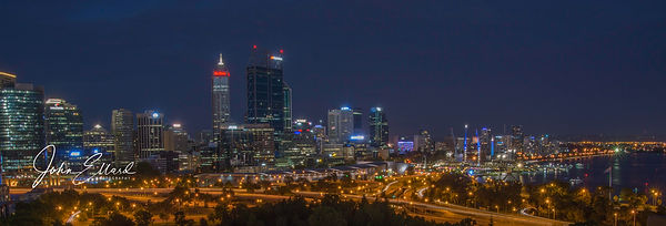 Perth night from King's Park.jpg