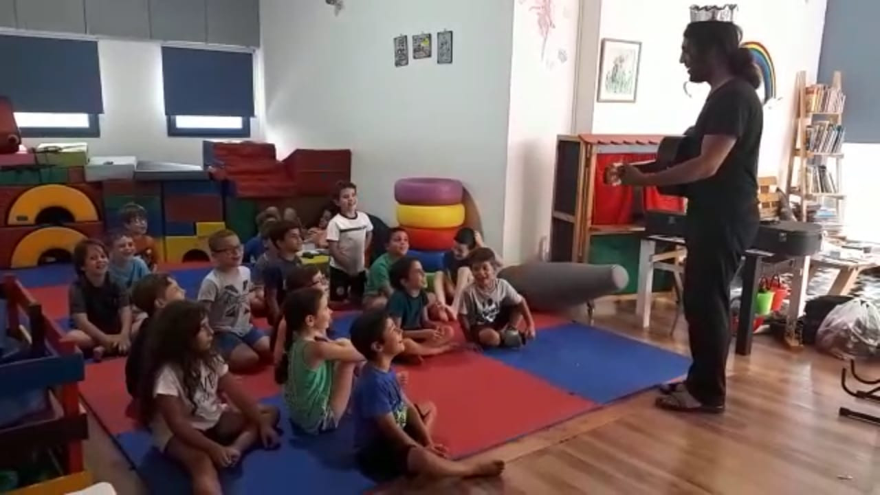 ילדים מלאי  התלהבות בחוגי המוסיקה