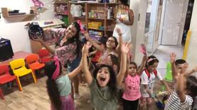 כיף ושמחה בחוגי תיאטרון סיפור של מעשיותיאטרון