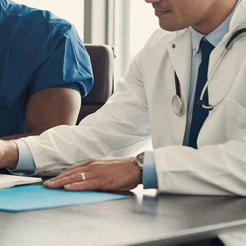 doctors-meeting-via-social-media-scaled