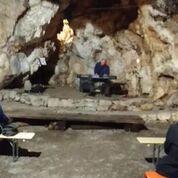 JAZZ koncert v skriti kraški jami