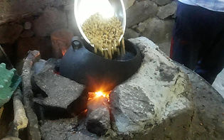 Potovanje v Peru, junij 2019 (praženje sveže kave)