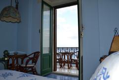 balcone sul mare della camera