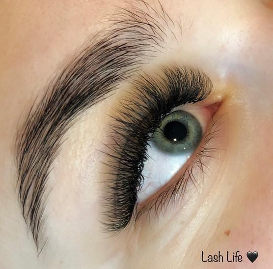 eyelashes_10.jpg