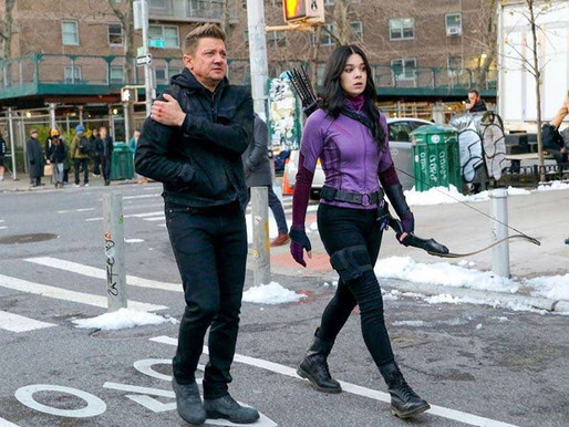 Hawkeye Set Photos Reveal Hailee Steinfeld Suited Up As Kate Bishop.