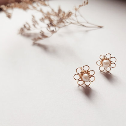 Mini aretes flor y perla ANY GRANADOS