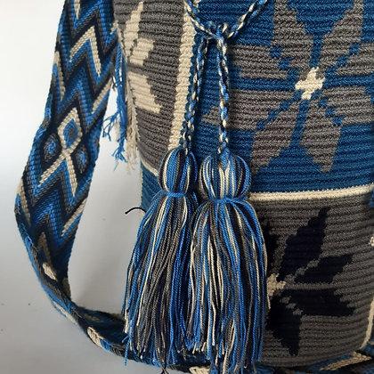 Mochila Wayuu Azul con diseño