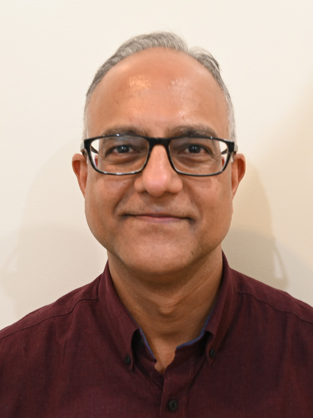 Dr Manjul Agarwal