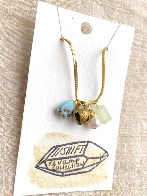 /SHIFT/ Charming blue-bell necklace