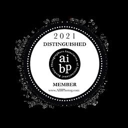 Minimalist Circle Healthy Cafe Logo.png