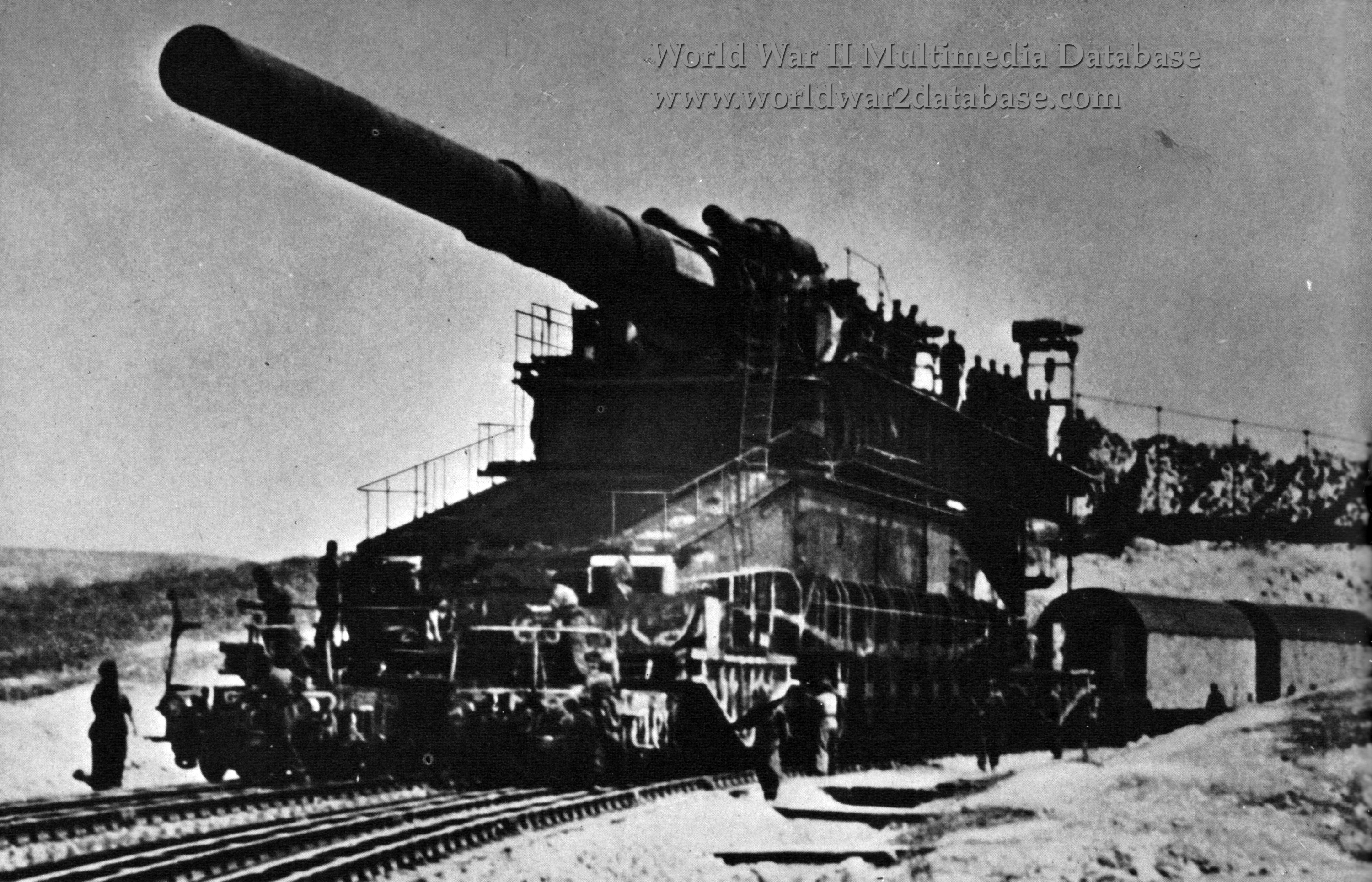 "800mm (31.5 inch) German Artillery ""Dora"""