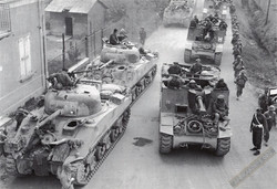 WWII Tanks with Crews