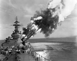 USS_New_Jersey_BB-62_salvo_Jan_1953