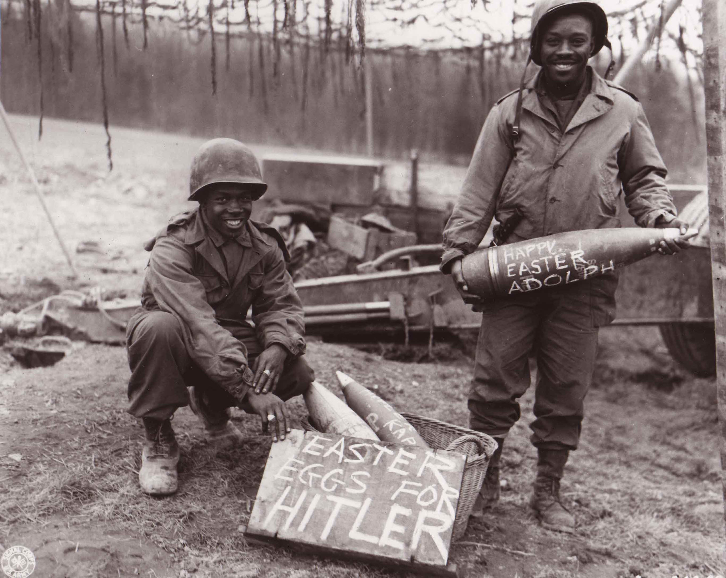 US Army WWII Field Artillery with Message for Hitler