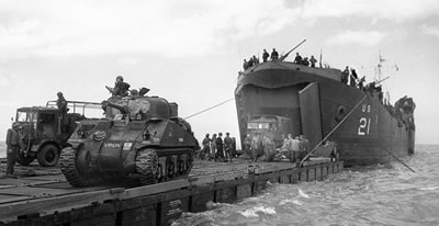 D-Day - Offloading British Tanks