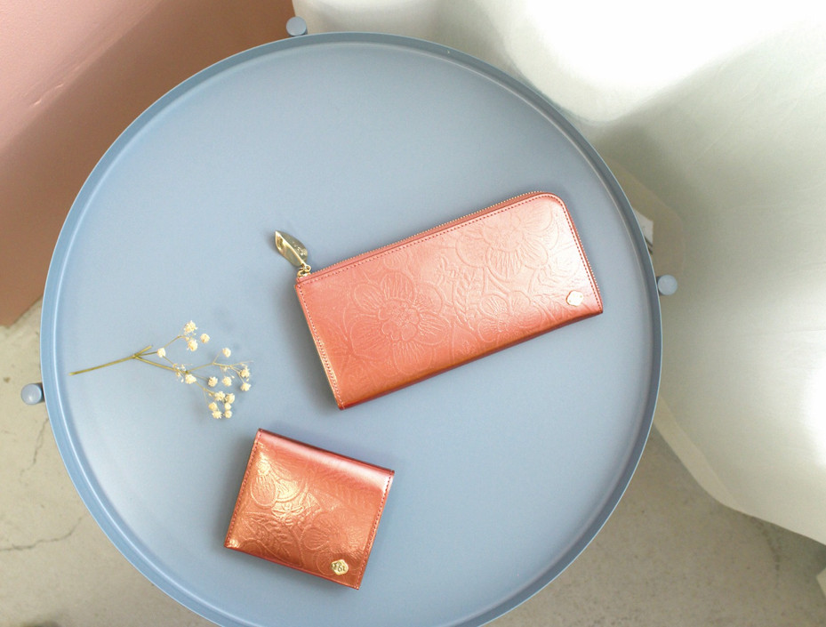 round zip wallet ,mini wallet / salmon pink