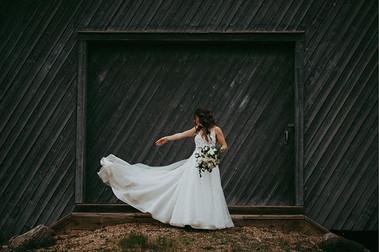 Dropping that dress like ✌🏻.jpg