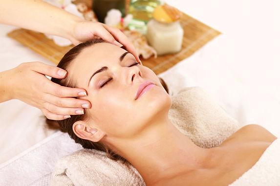 massage-golovi-dlya-krasoti-volos.jpg