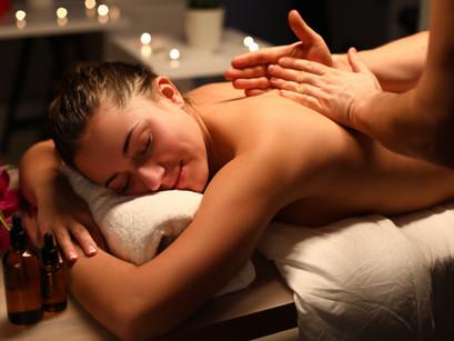 Польза массажа для спины: полезные рекомендации