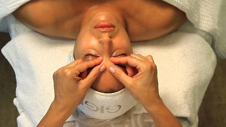 plasticheskiy-massage.jpg