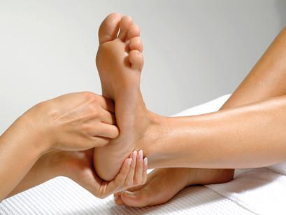 Плоскостопие — бич современности: массаж стоп и как он поможет избежать болей в ногах