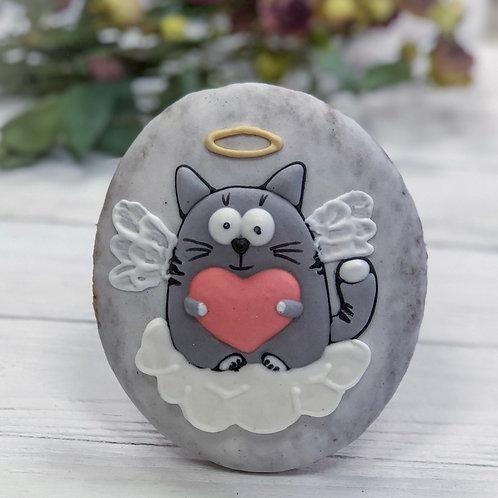 Влюбленный кот ангел с сердечком