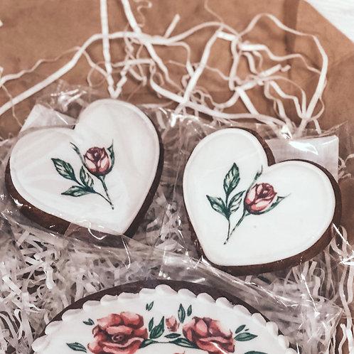 """Пряник """"Сердечко с цветами"""""""