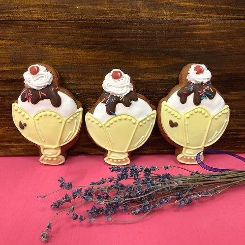 Мороженое в креманке