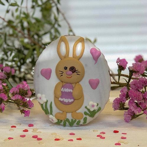 Большой пряник с пасхальным зайкой с яйцом и сердечками