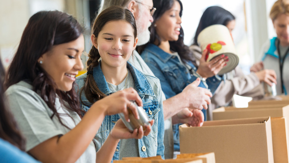 5 benefits of volunteering as a family