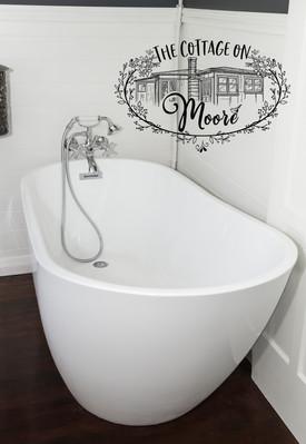 Bathroom_03.jpg
