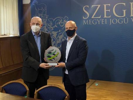 Klímavédelemben az elsők! – Klímabarát város díjat vehetett át Szeged