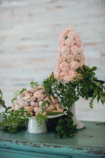 elegant-wedding-mint-green-wedding-ideas-greenery2