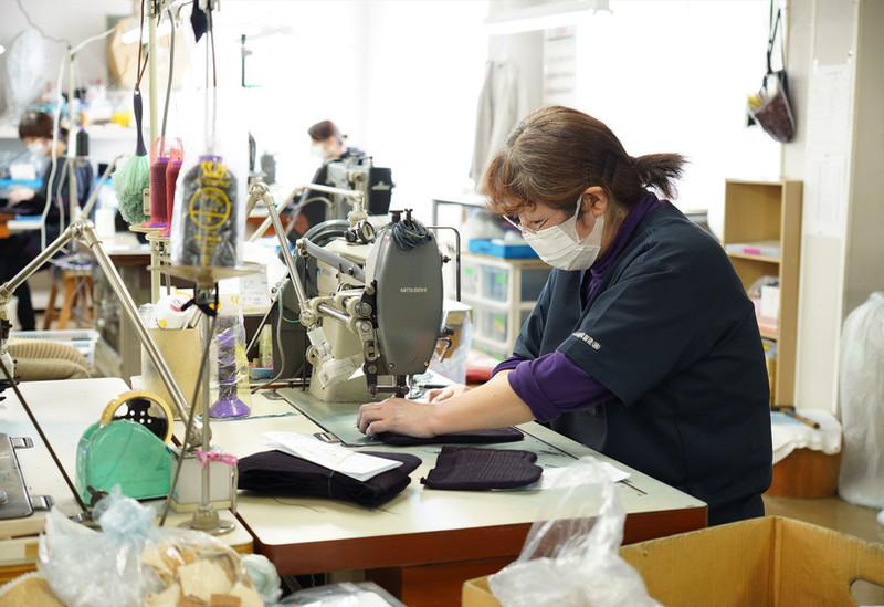 ●甲手布団縫製