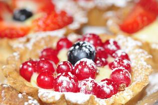 Terter med vaniljekrem og bær