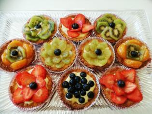 Terter med vaniljekrem og frukt