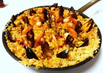 Spanske retter ( paella, albondigas...)