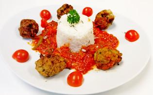 Albondigas med tomatsaus                                           (Spansk kjøtboller)