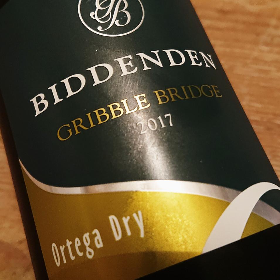 The Ringlestone Inn bidden vineyards ortega dry