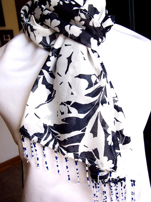 Classic Navy and White Scarf