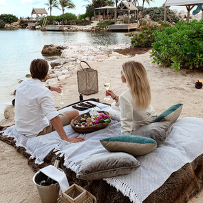 romantic picnic baoase 1.jpg