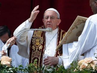 Em benção de páscoa, Papa fala de novas formas de escravidão