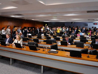CCJ do Senado aprova relatório da reforma trabalhista; texto vai a plenário