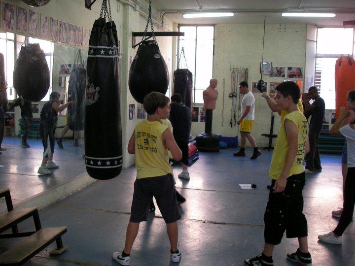 קבוצת אלמוג באימון אגרוף של מועדון (1)