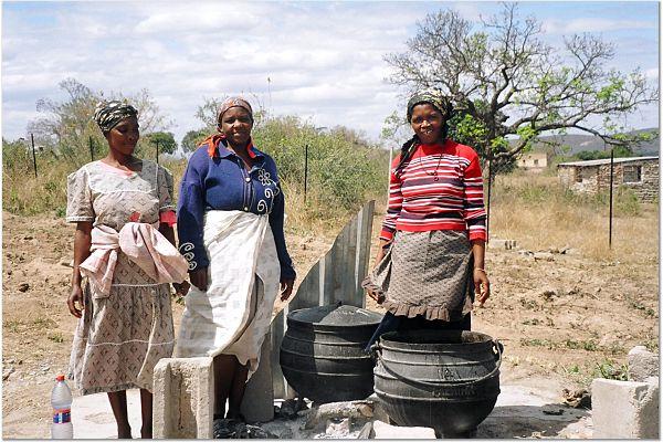 Swazi women cooking
