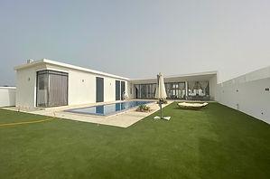 Villa neuce contemporaine avec piscine à vendre à Ngaparou