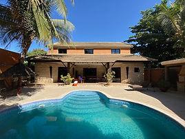 Villa 4 chambres avec puiscine privée à vendre à Ngaparou bord de mer.
