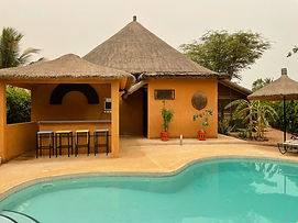 Villa pas chère avec piscine et titre foncier à vendre en résidence bord de mer à Nianing