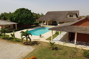 Villa 5 chambres grand terrain à vendre à Ndiorokh