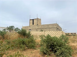 Maison inachevée à vendre à Gandigal